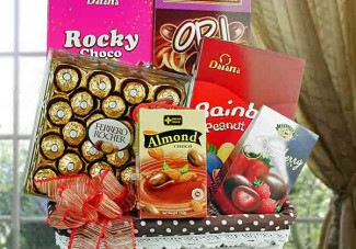 Gift hamper delivery in singapore assorted chocolates hamper ch013 negle Image collections