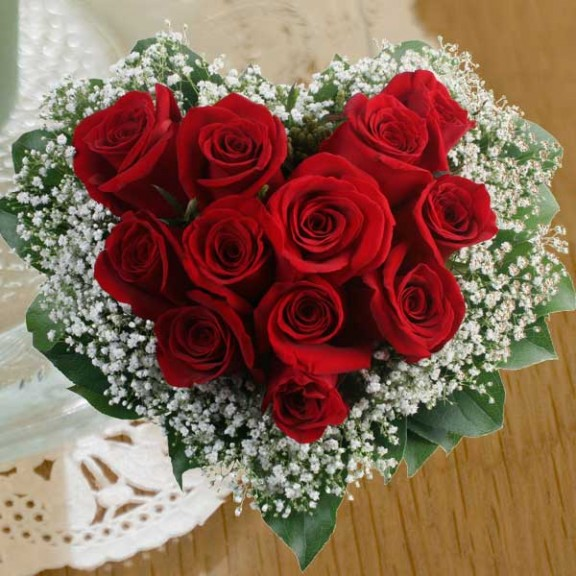 12 Red Roses Hand Bouquet Arranged in Heart Shape