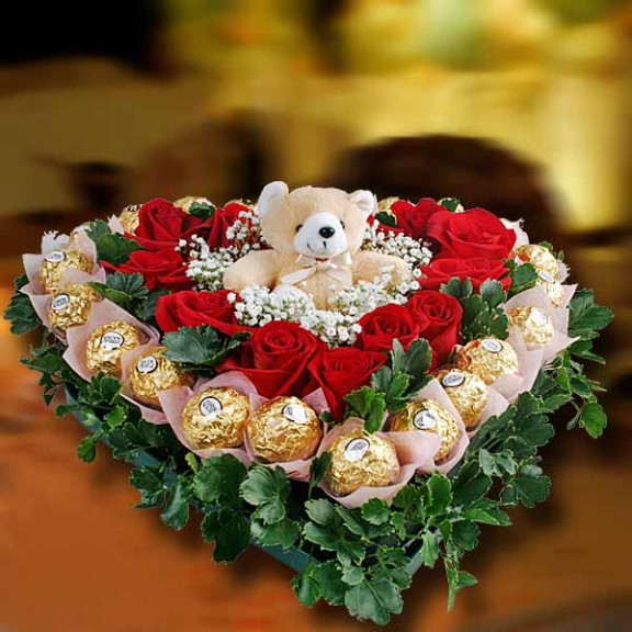 12 Red Roses & 22 Rochers Table Arrangement